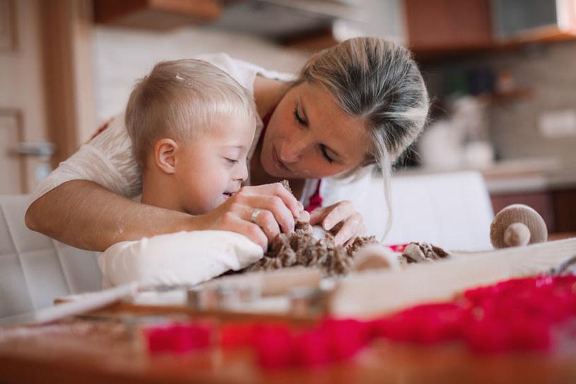Pieczenie ciasta - najlepsza, domowa rehabilitacja /123RF/PICSEL