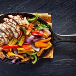 Pieczona pierś z kurczaka z warzywami