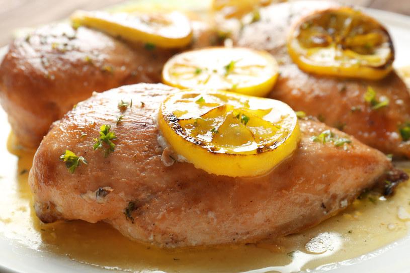 Pieczone filety z kurczaka /123RF/PICSEL