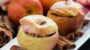 Pieczone jabłko z nadzieniem (po 18. miesiącu)