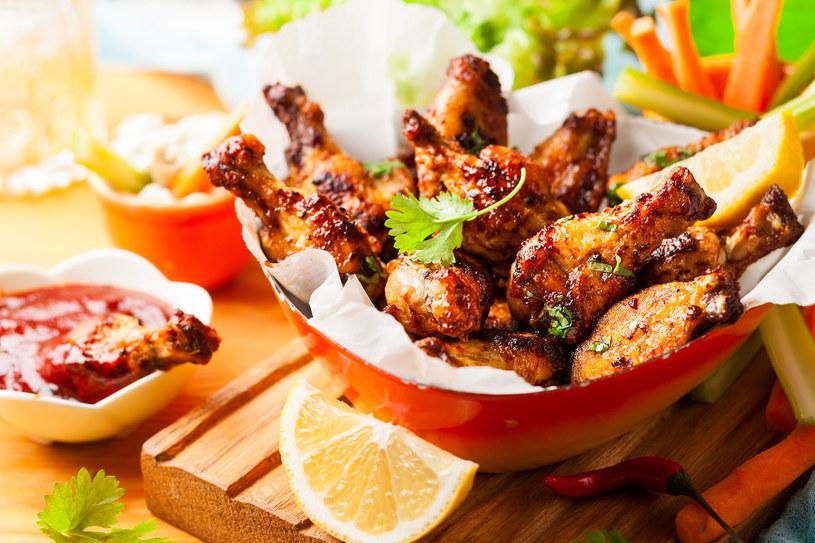 Pieczone pałki kurczaka /123RF/PICSEL