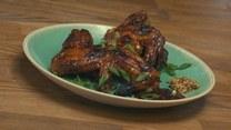 Pieczone skrzydełka z kurczaka z domowym BBQ