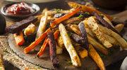 Pieczone ziemniaki, pietruszki i marchewki
