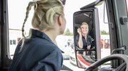 Piękna blondynka za kierownicą tira. Polska Trucking Girl