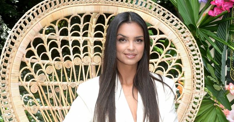 """Piękna Klaudia El Dursi jest prowadzącą programu """"Hotel Paradise"""" /Jan Bielecki /East News"""