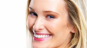 Piękne białe zęby. Zabiegi na każdą kieszeń