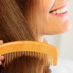 Piękne i lśniące. Jak dbać o włosy?