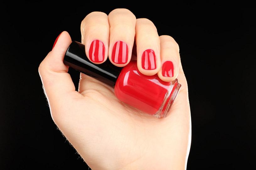Piękne paznokcie to przede wszystkim zdrowe paznokcie. Naucz sie o nie dbać /123RF/PICSEL