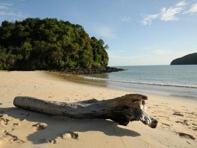 Piękne plaże i szmaragdowe morze to główny atut archipelagu Langkawi  /© Panthermedia
