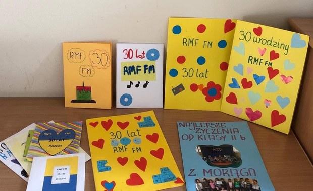 Piękne urodzinowe życzenia dla RMF FM od uczniów szkoły podstawowej w Morągu!