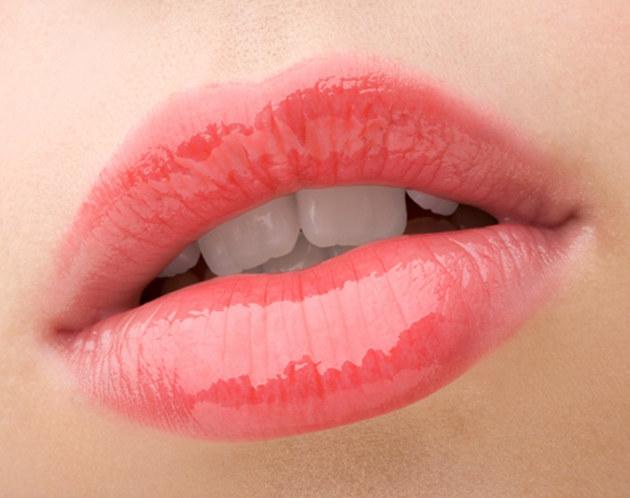 piękne usta /© Photogenica