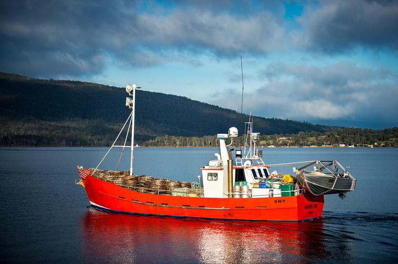 """""""Piękny dzień na zachodnim wybrzeżu Tasmanii, kiedy na morzu panuje spokój, a nad głową mam czyste błękitne niebo. Nic tego nie pobije"""" - mówi """"Squizzy"""" /materiały prasowe"""