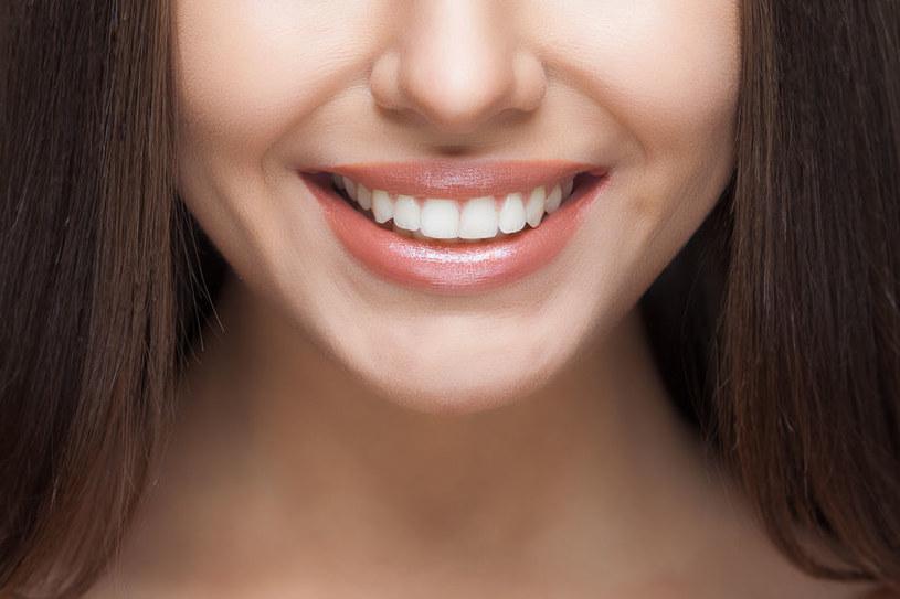 Piękny uśmiech /©123RF/PICSEL