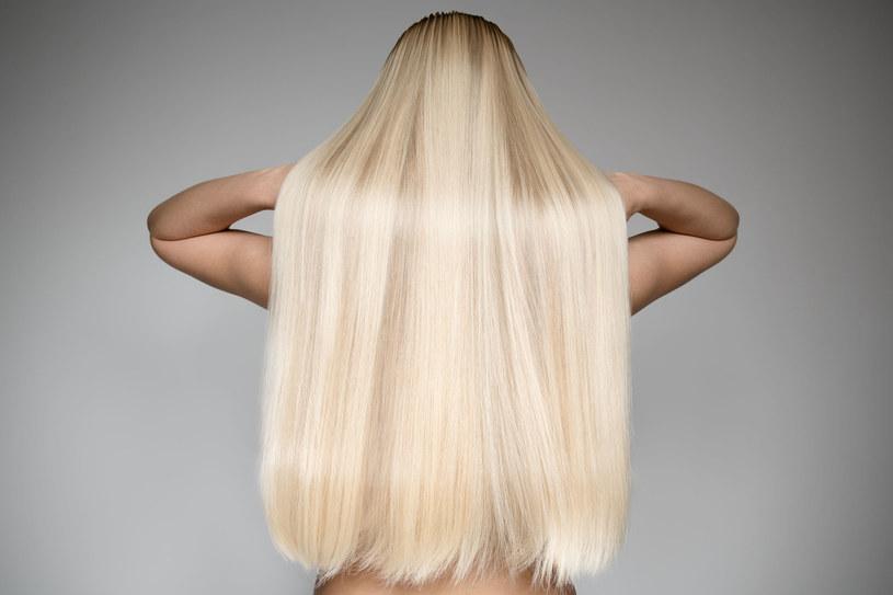 Pielęgnacja farbowanych blond włosów jest wymagającym zadaniem