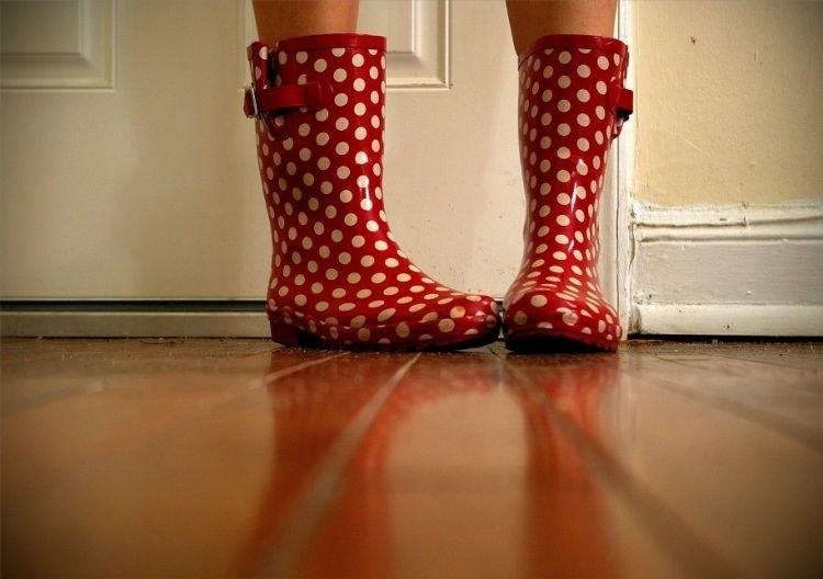 pielęgnacja podłogi drewnianej /© Photogenica