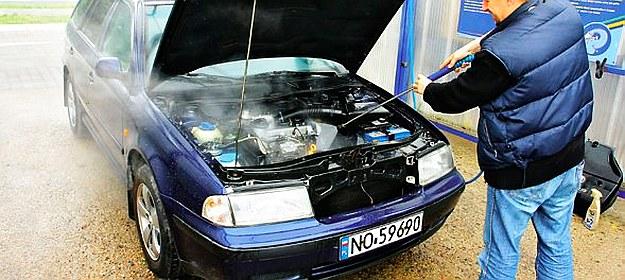 pielęgnacja samochodu /Motor