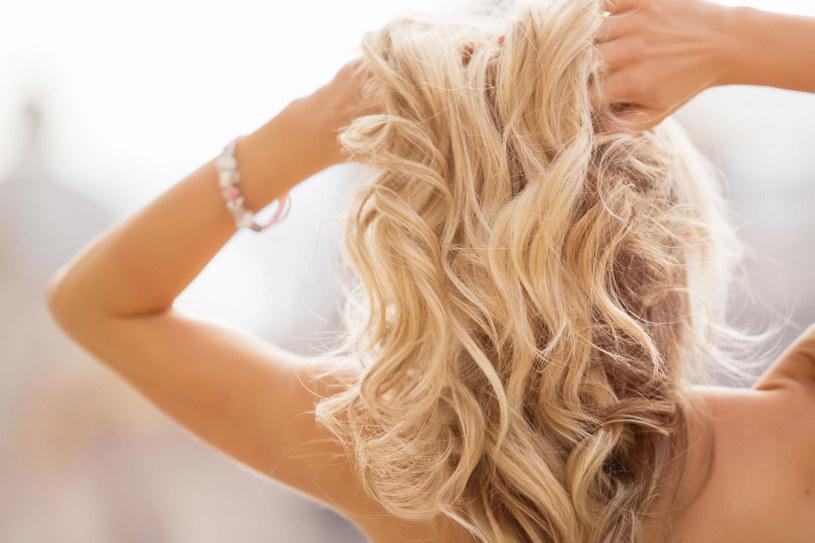 Pielęgnacja tłustej skóry wymaga delikatności /123RF/PICSEL