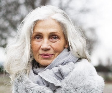 Pielęgnacja włosów ograniczająca ich starzenie się