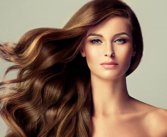 Pielęgnacja włosów /©123RF/PICSEL
