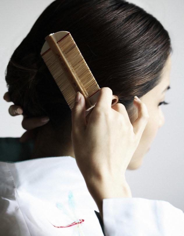 pielęgnacja włosów /© Photogenica