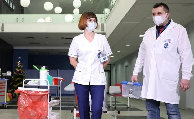 Pielęgniarka zaszczepiona przeciw Covid-19: Ufam ekspertom, wszyscy powinni