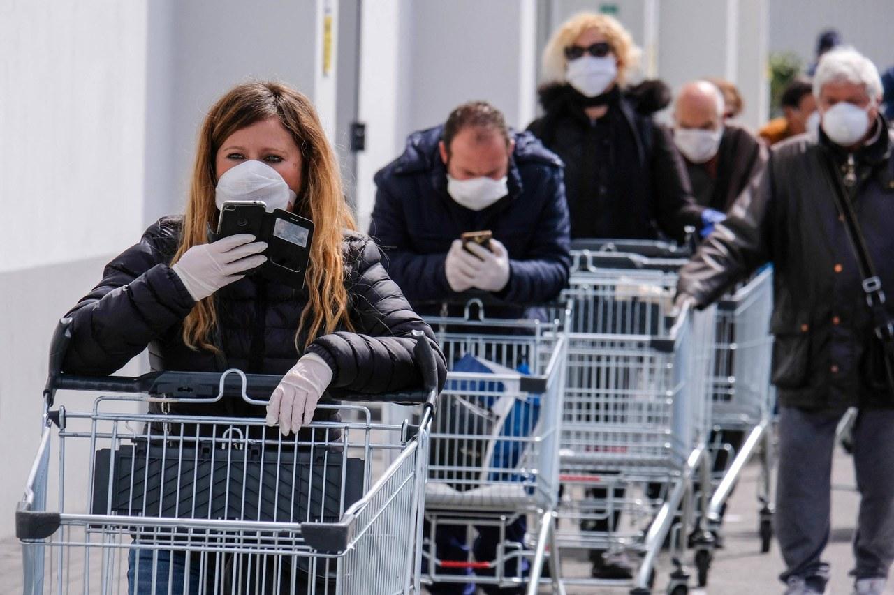Pielęgniarki apelują: Zakupy poza kolejnością ułatwiłyby nam funkcjonowanie