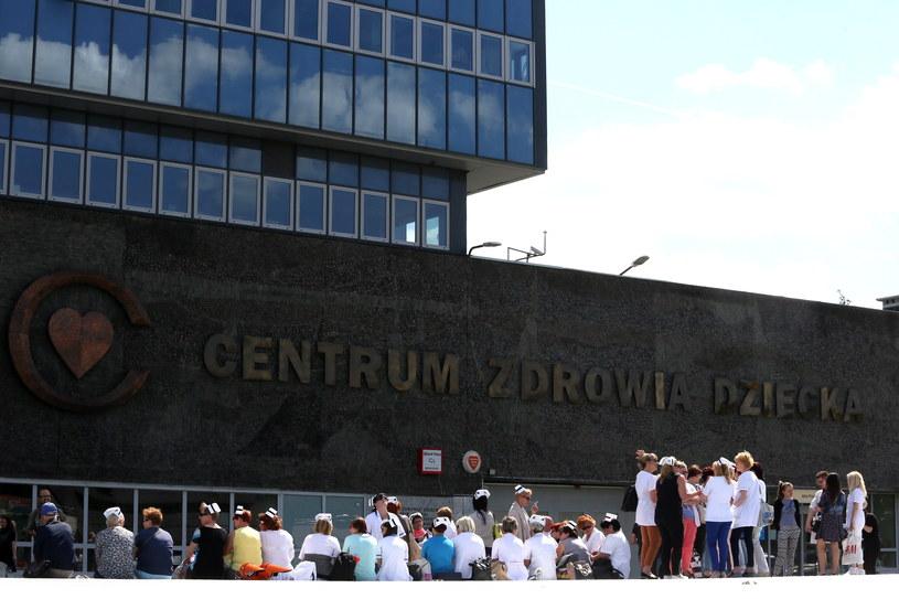 Pielęgniarki z różnych stron Polski przyjechały do CZD /Tomasz Gzell /PAP