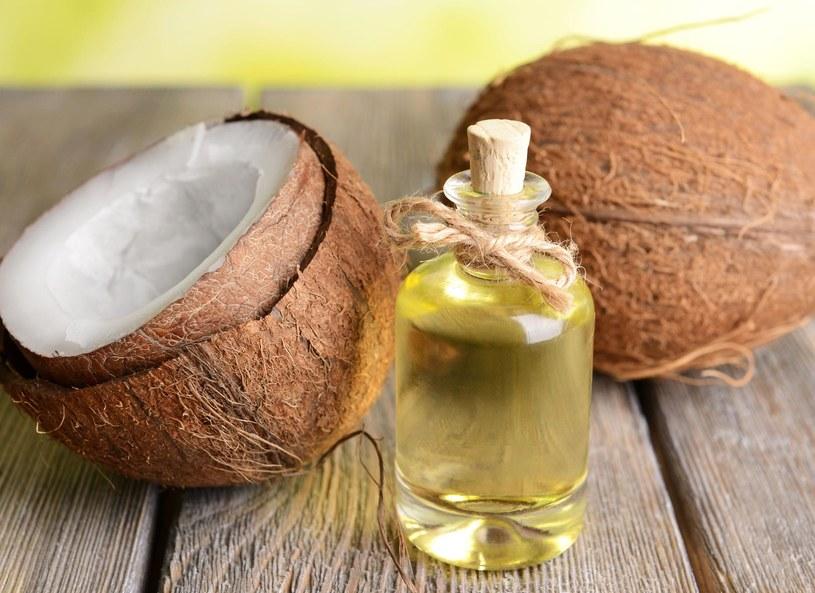Pielęgnowana olejkami cera wróci do równowagi i kosmetyki matujące nie będą jej już potrzebne /Picsel /123RF/PICSEL