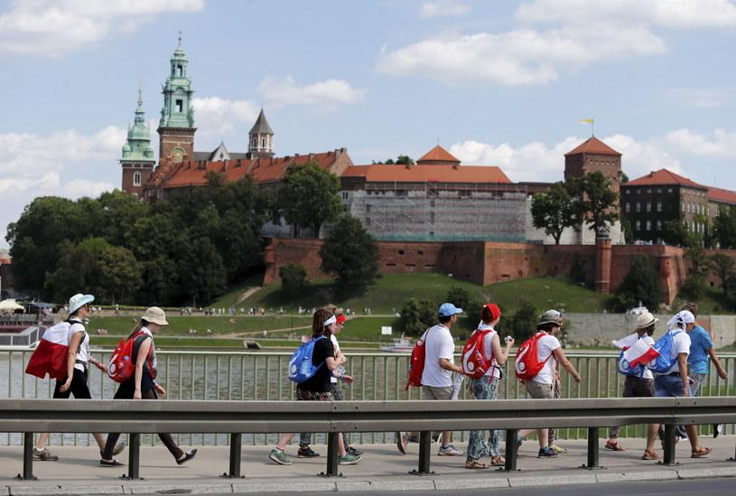Pielgrzymi w drodze z Krakowa do Brzegów /Andrzej Grygiel /PAP