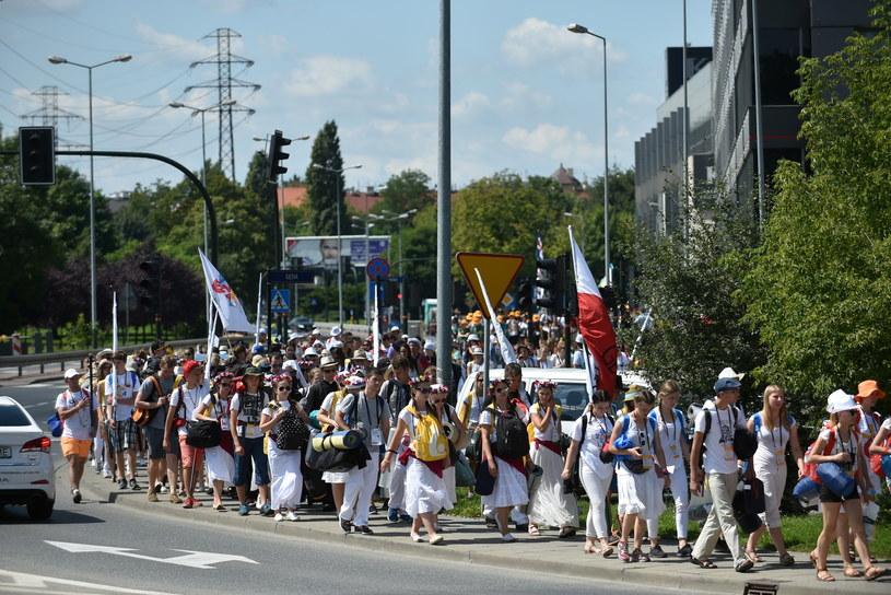 Pielgrzymi w drodze z Krakowa do Brzegów /Marcin Obara /PAP