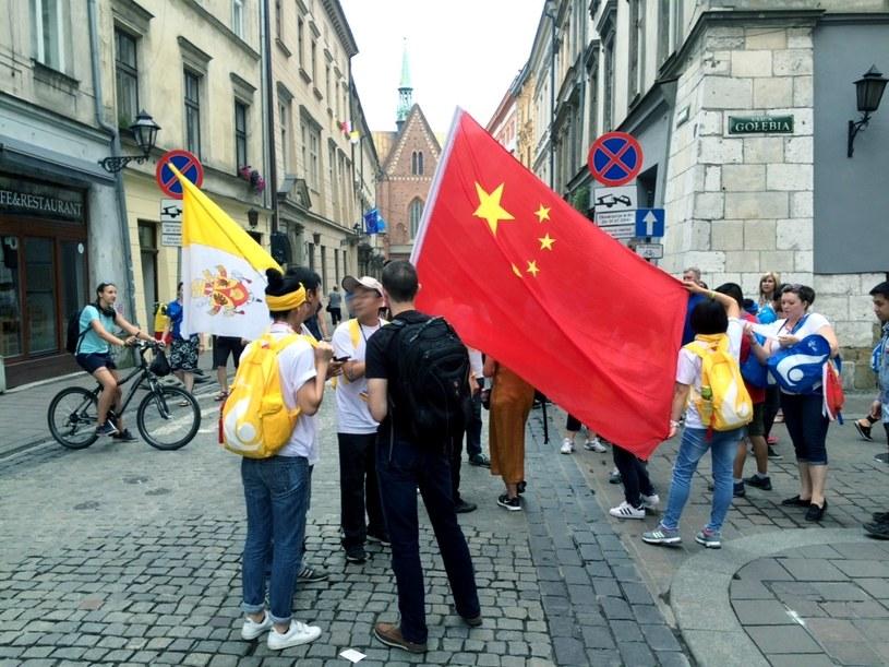 Pielgrzymi z Chin na ulicach Krakowa /Dawid Kaczmarczyk /