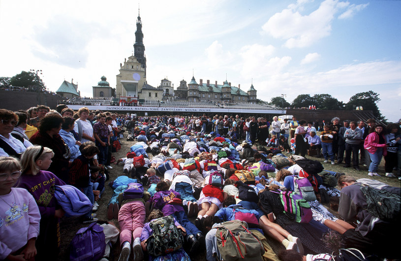 Pielgrzymka do Częstochowy to dla wielu katoliczek i katolików ważne wydarzenie duchowe /Gianni GIANSANTI/Gamma-Rapho via Getty Images /Getty Images