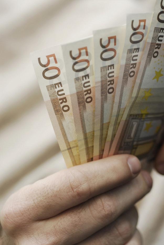 Pieniądze /© Photogenica