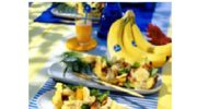 Pierś kurczaka z ananasem, bananami i pomarańczami