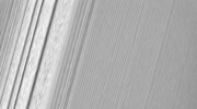 Pierścienie Saturna, jak ich jeszcze nie widzieliśmy