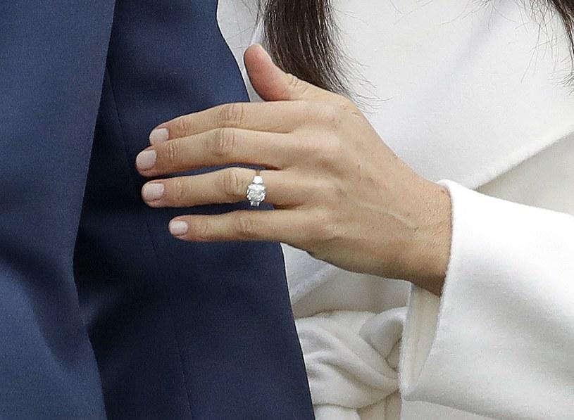 Pierścionek zaręczynowy Meghan Markle /East News