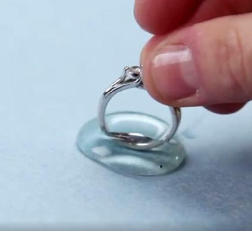 pierścionek zmniejszanie /© Photogenica