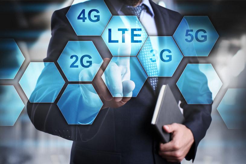 Pierwsi operatorzy zaczynają rezygnować z sieci starszej generacji., stawiając na 4G (LTE) i 5G /123RF/PICSEL