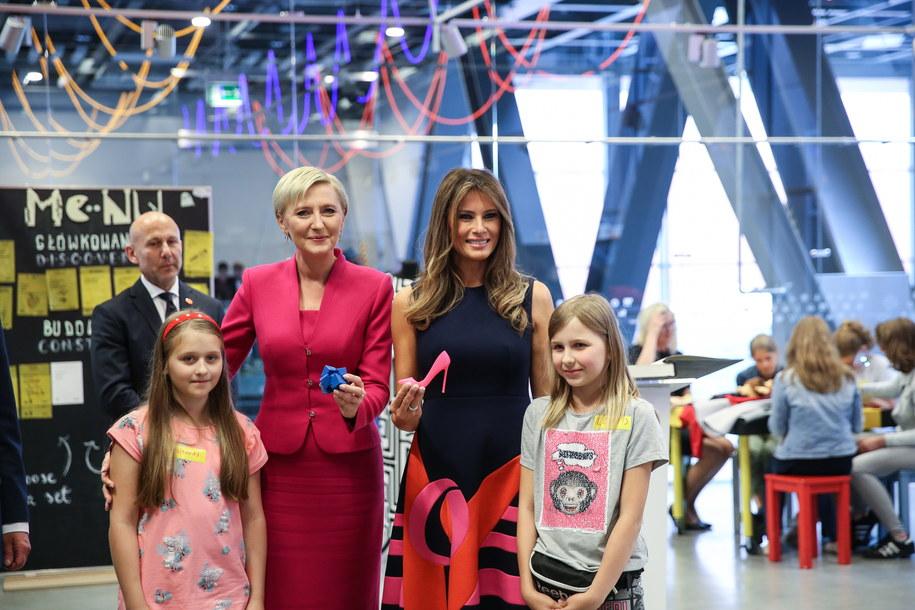 Pierwsza dama RP Agata Kornhauser-Duda i pierwsza dama USA Melania Trump w Centrum Nauki Kopernik w Warszawie /Rafal Guz /PAP
