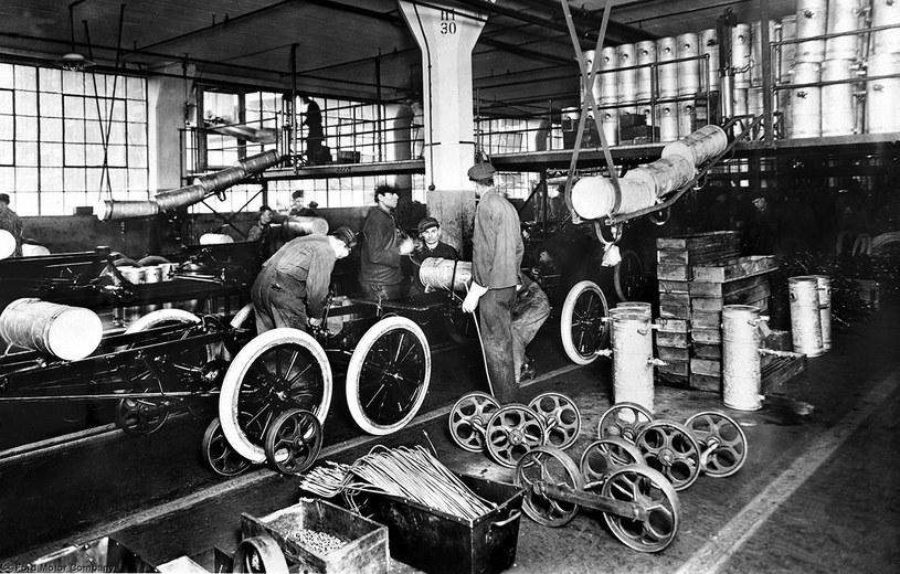 Pierwsza na świecie taśmowa produkcja samochodów /