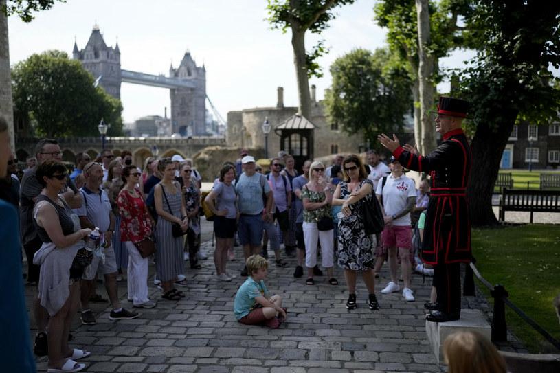 Pierwsza od wybuchu pandemii wycieczka po Tower of London /AP/Associated Press /East News