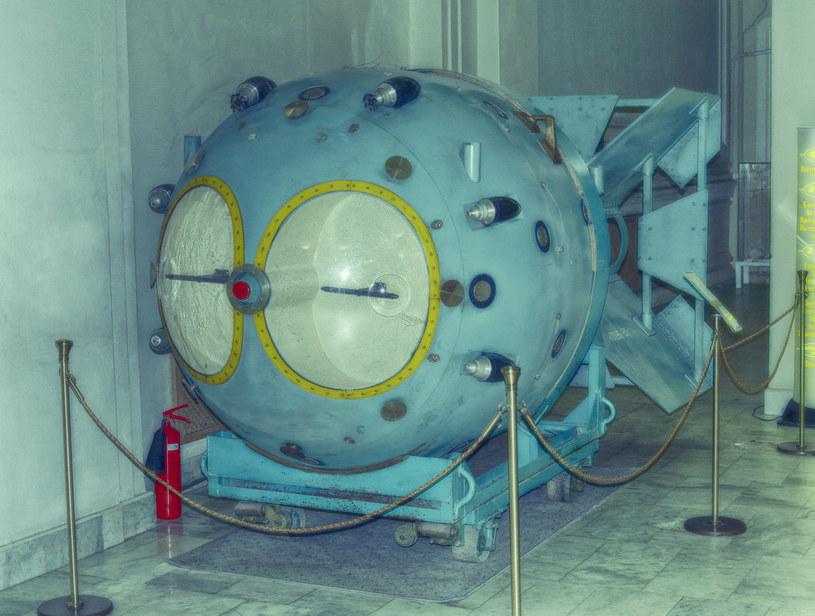 Pierwszą radziecką bombę atomową, oznaczoną kryptonimem RDS-1 (na zdj.), zdetonowano na poligonie koło Semipałatyńska 29 sierpnia 1949 roku. Użyty w niej pluton pochodził z Oziorska /CC BY-SA 2.0 /domena publiczna