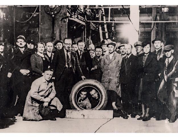 Pierwsza wyprodukowana opona w Dębicy. Rok 1939 /Informacja prasowa