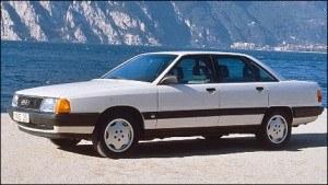 Pierwsze Audi z silnikiem TDI - zaprezentowane jesienią 1989 roku 100 2.5 TDI - było zasilane 2,5-litrową, turbodoładowaną jednostką wysokoprężną R5 o mocy 120 KM i 265 Nm maksymalnego momentu. Samochód rozpędzał się do prawie 200 km/h, a jego średnie zużycie paliwa wynosiło 5,7 l/100 km. /Audi