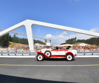 Pierwsze auta przejechały Mostem Południowym nad kanałem na Mierzei Wiślanej