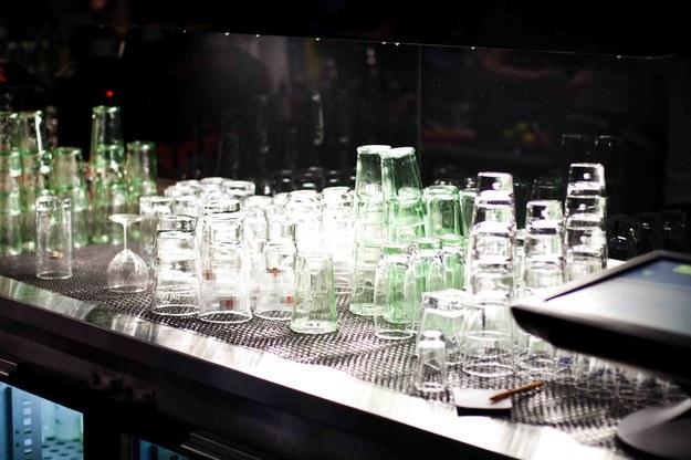 Pierwsze badania potwierdziły w serwowanych w znanym klubie drinkach obecność środków psychoaktywnych /Łukasz Ogrodowczyk /PAP