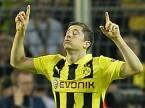 Pierwsze bramki w Buindeslidze Robert Lewandowski strzelał dla Borussii Dortmund, dedykował je zmarłemu ojcu. /AFP