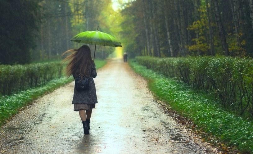 Pierwsze dwa dni astronomicznej jesieni będą deszczowe... /123RF/PICSEL