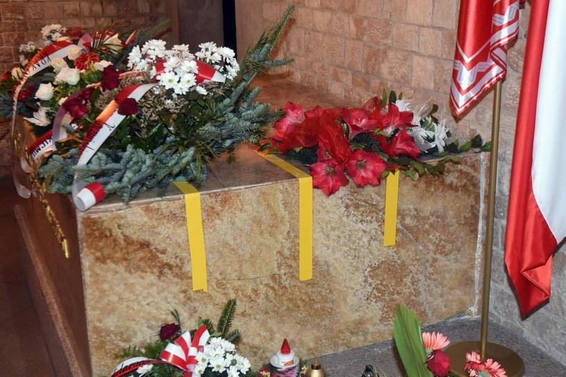 Pierwsze ekshumacje rozpoczęto 14 listopada /Marek Lasyk  /East News