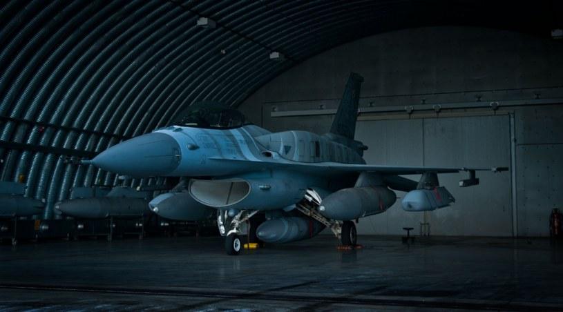Pierwsze Jastrzębie F16 w Krzesinach już z JASSM /Bartosz Kownacki /Twitter